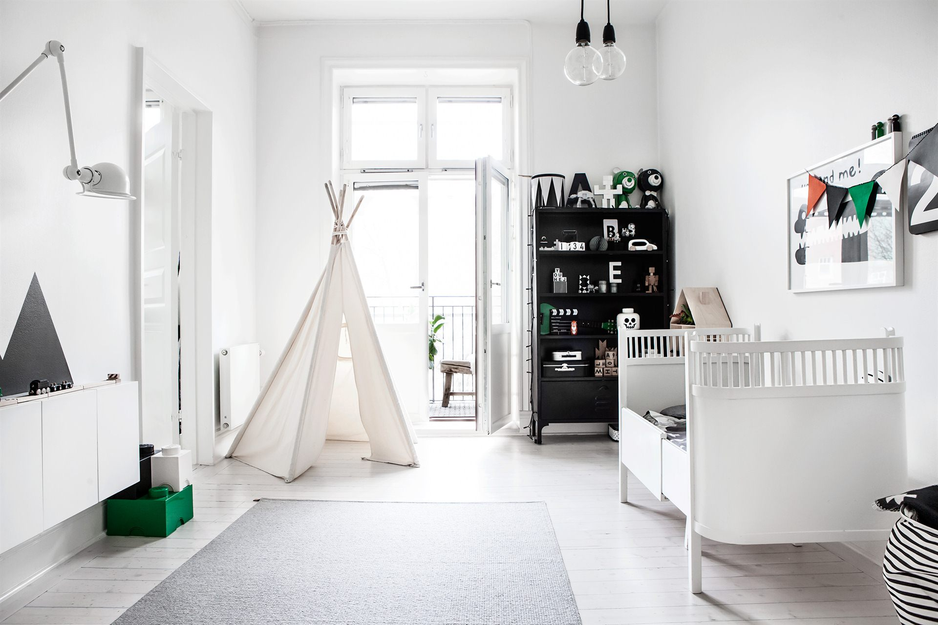 Monochrome Kid Bedroom :: Featured on House of Valentina