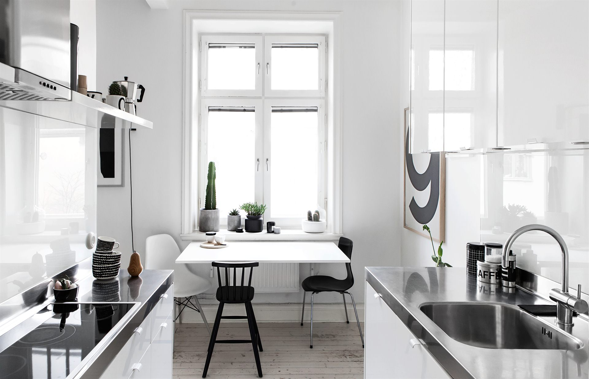 Monochrome Dining Room :: Featured on House of Valentina