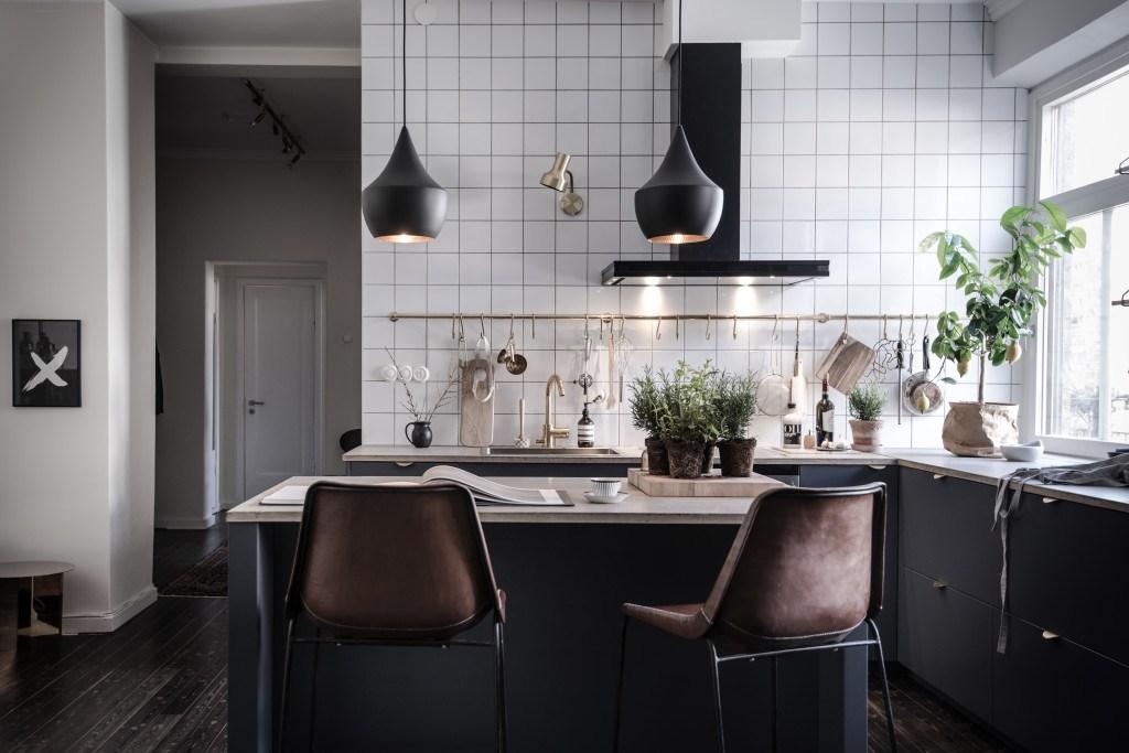 Modern Kitchen | Featured on House of Valentina