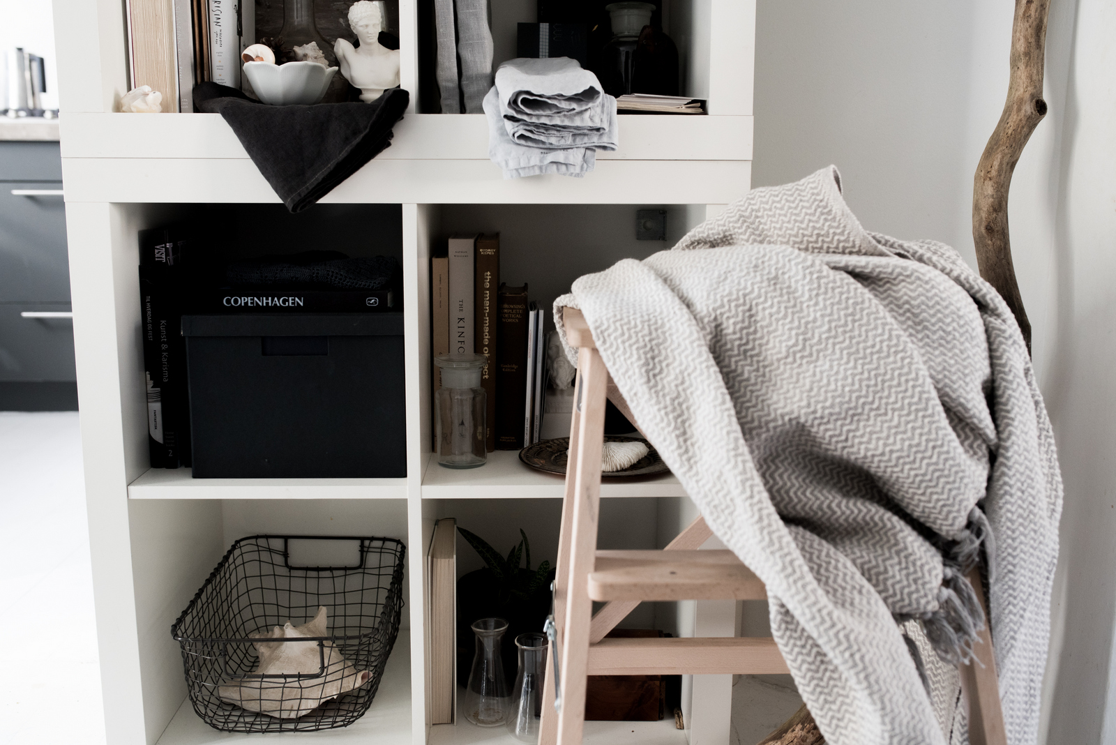 How to Style an IKEA Shelf by House of Valentina-4