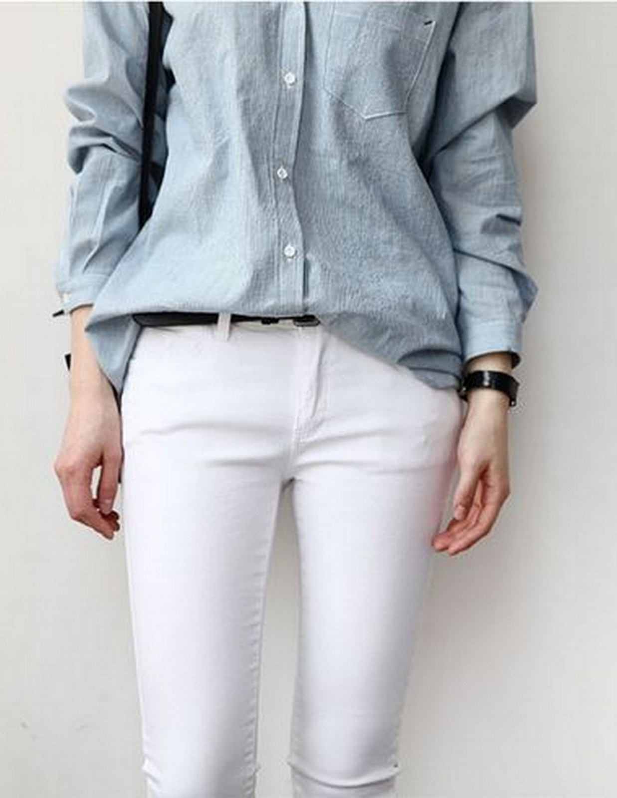 DENIM + WHITE JEAN