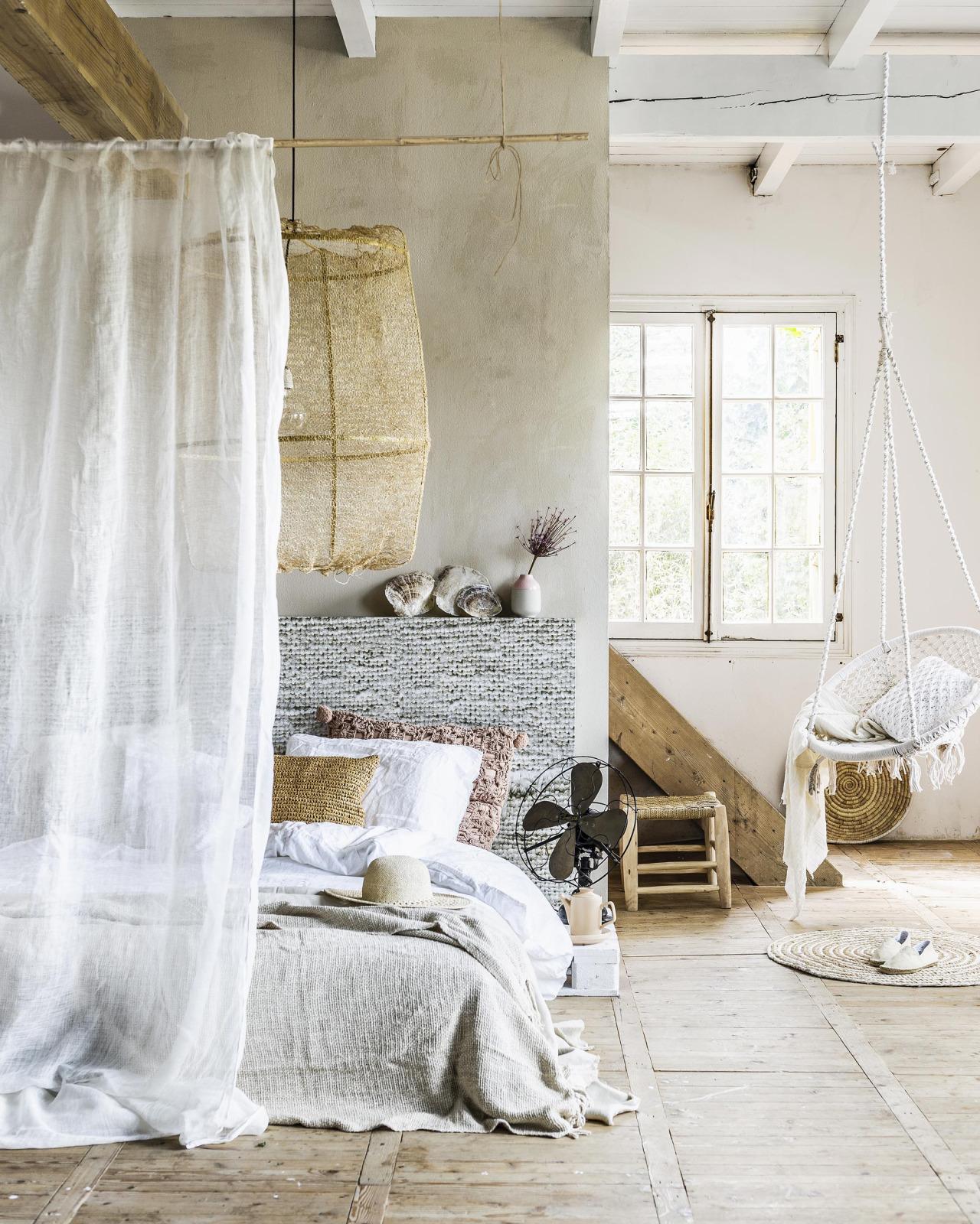 ibiza-bedroom-dreamy-640x800@2x