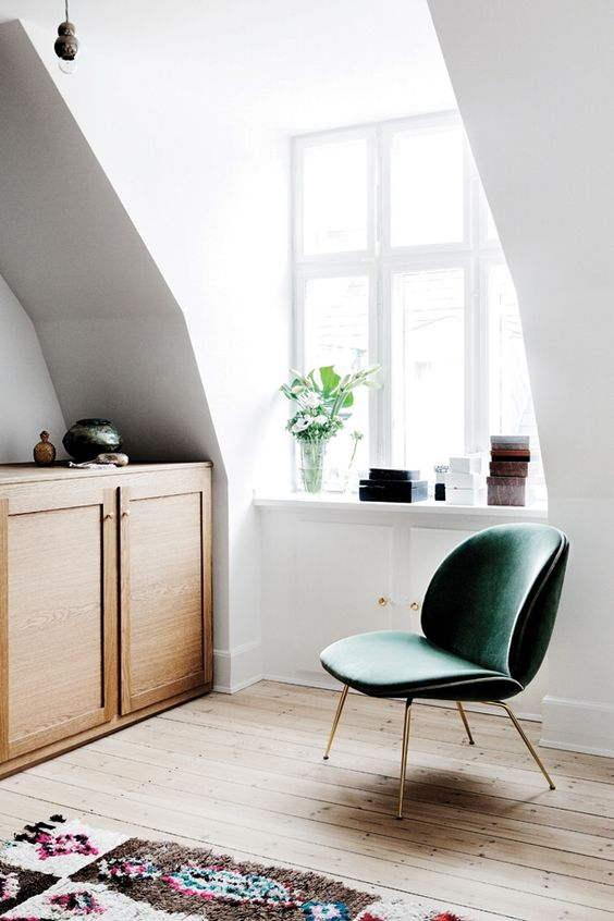 GREEN GUBI CHAIR | HOUSE OF VALENTINA
