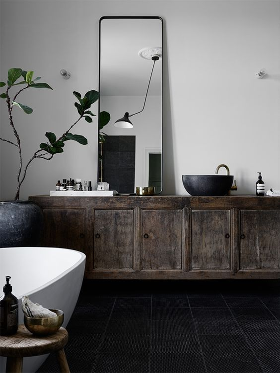 MODERN RUSTIC BATHROOM | HOUSE OF VALENTINA