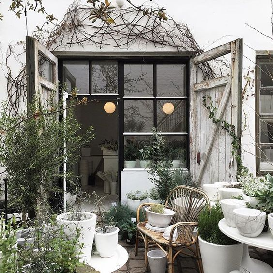 Top 10 Green + White Garden | House of Valentina