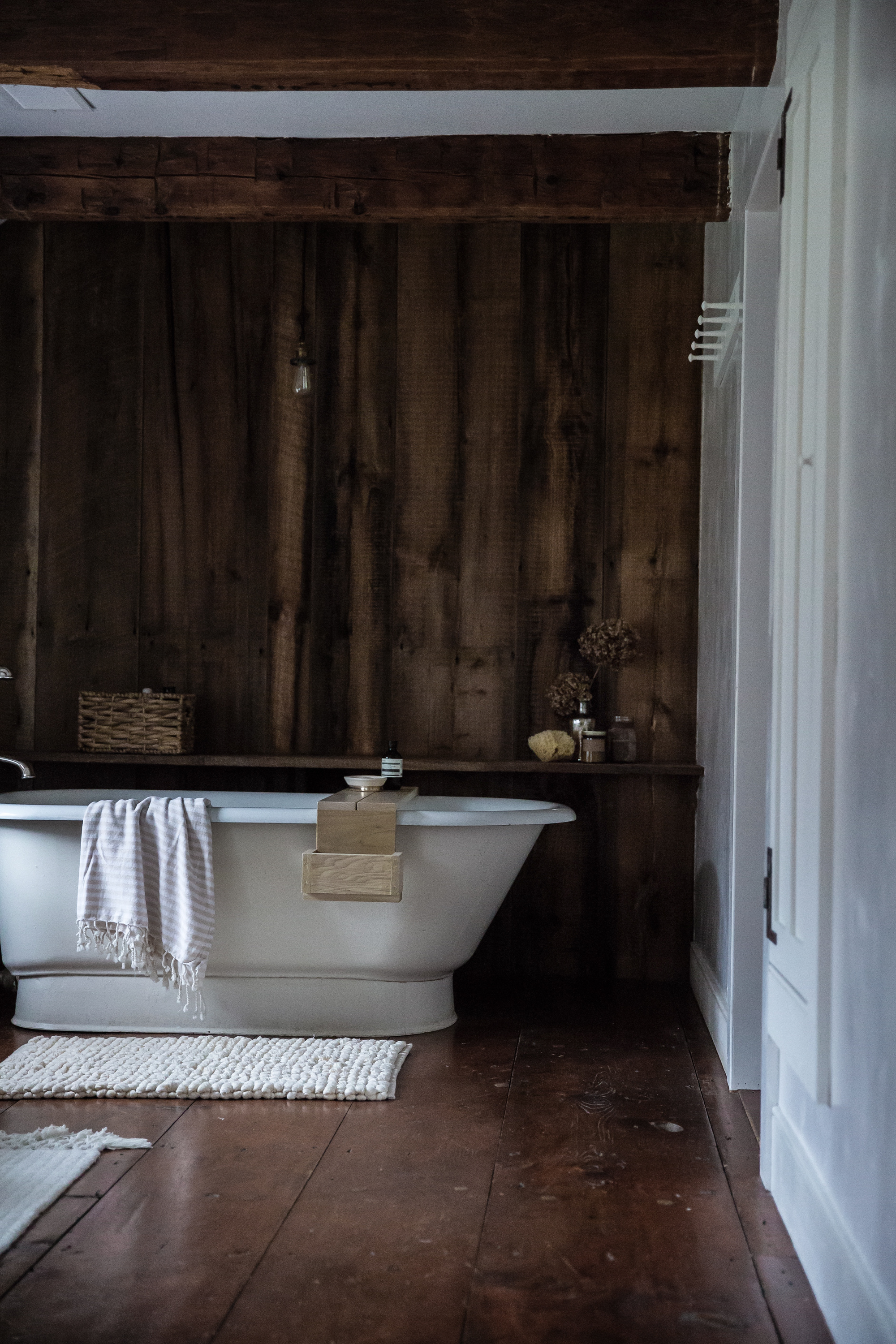 Jersey-Ice-Cream-Co-Old-Chatham-paneled-bath