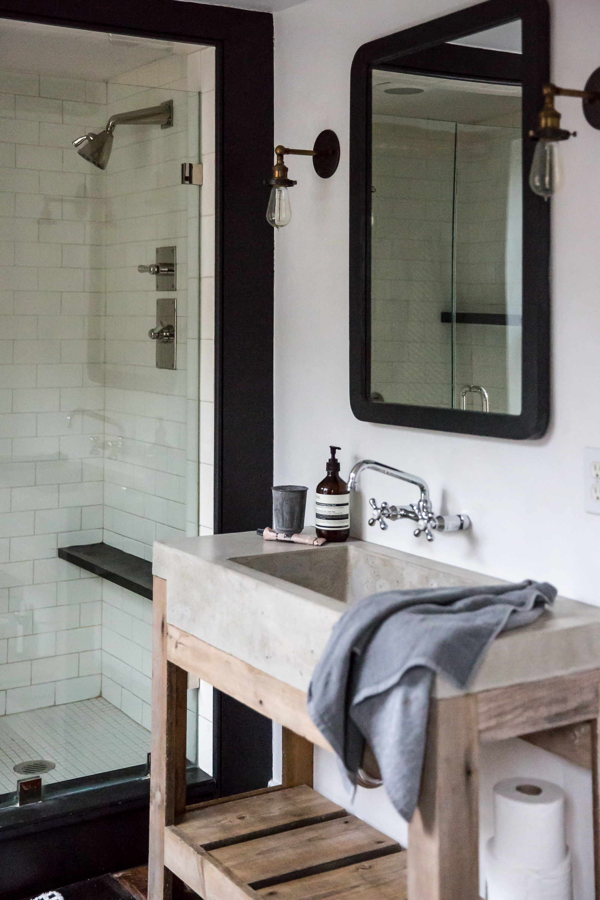 Jersey-Ice-Cream-Co.-Old-Chatham-House-Remodelista-sink-and-shower