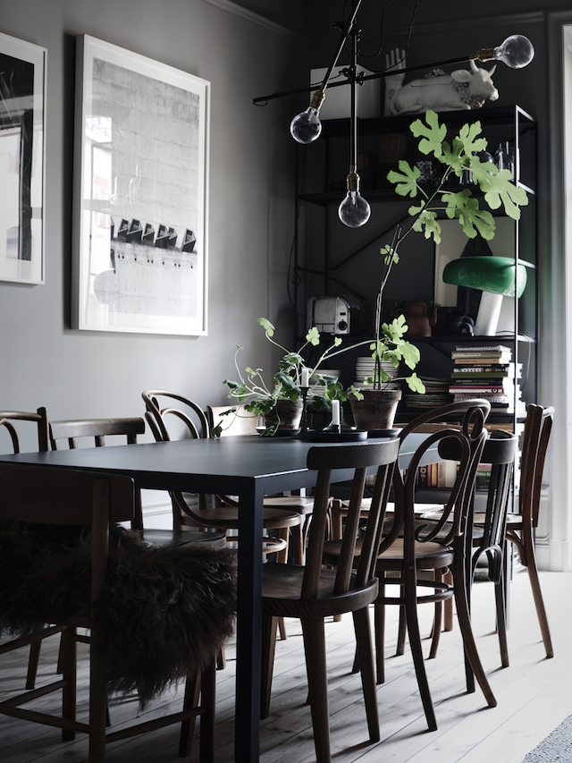 dark-dining-space-mix-of-vintage-chairs-lotta-agatons-home