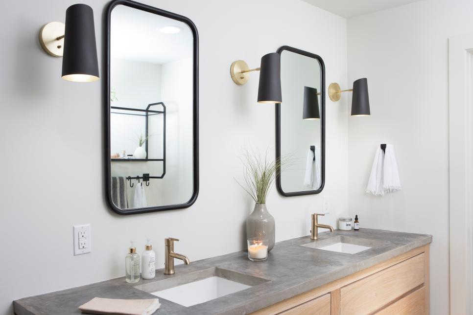 BP_HFXUP410H_bathroom_detail_twin-vanities_252627_917511-1463501.jpg.rend.hgtvcom.966.644