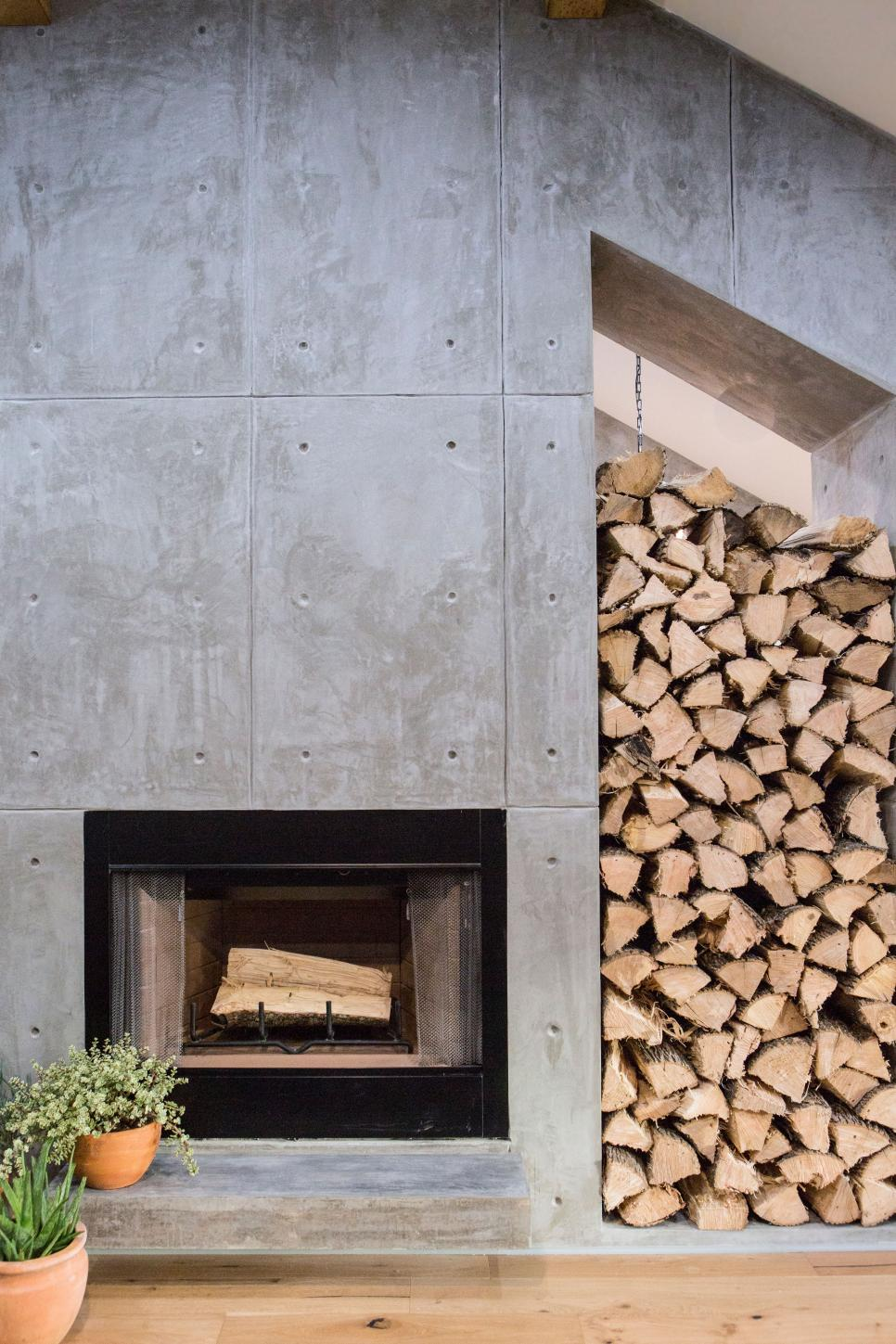 BP_HFXUP410H_living-room_detail_fireplace_252627_917498-1463490.jpg.rend.hgtvcom.966.1449