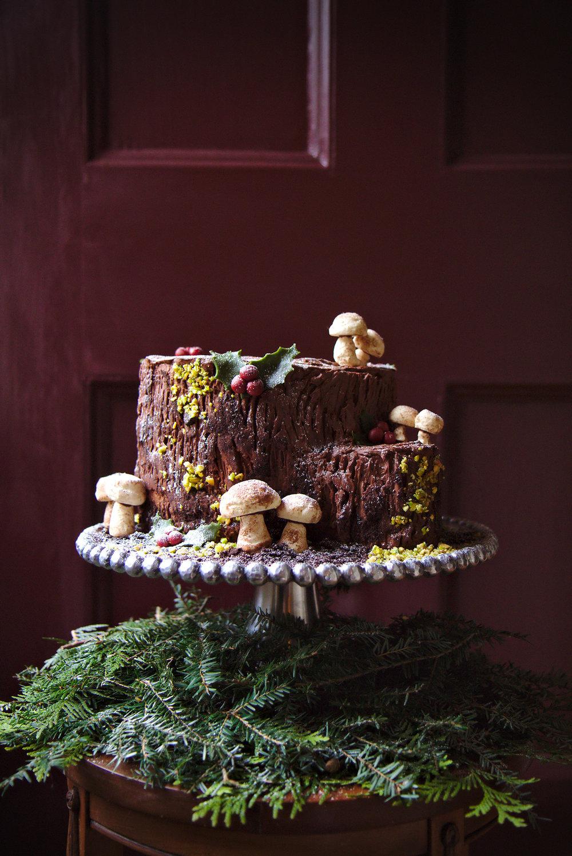 Jute Log Cake