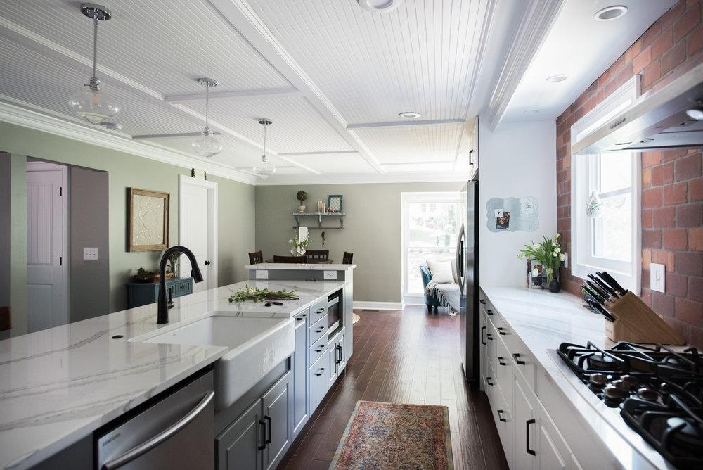 2770 roxburgh NEW HOME | House of Valentina-12.jpg