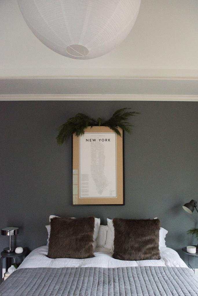 Christmas Master Bedroom  | House of Valentina-2.jpg