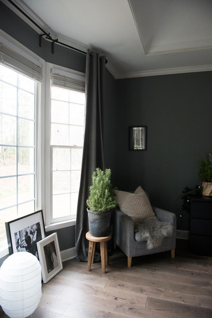 Christmas Master Bedroom  | House of Valentina-4.jpg