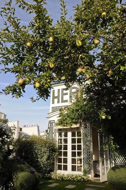 Hermes-garden-4.jpg