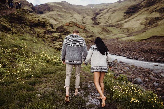Icelandic lovers/sweaters/barefoot adventures