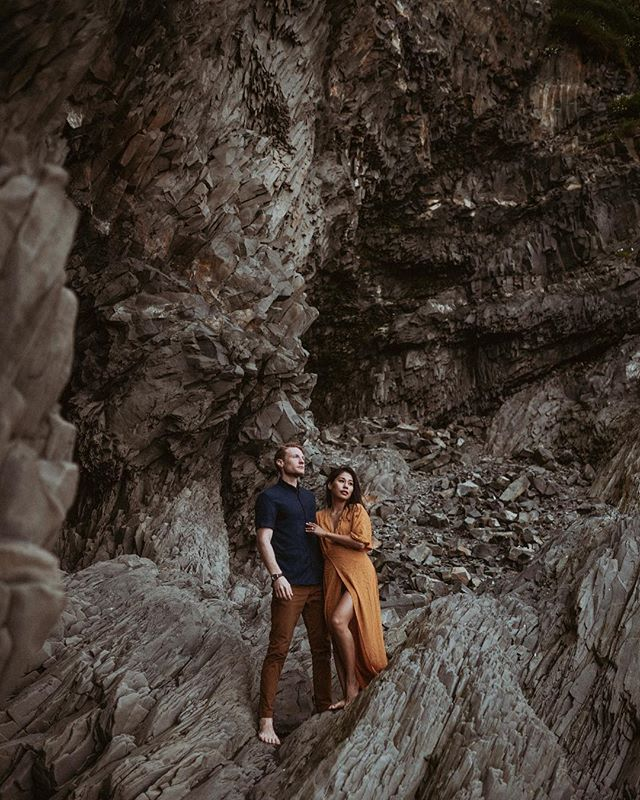I spent today exploring the southern coast of Iceland with Louise and Cameron. I hadn't seen them since shooting their wedding one year ago in Oregon, so meeting them across the world was pretty much the best. It was freezing and windy and we were soaked half the day from waterfalls, but these two managed to look ridiculously sexy the entire time while I was bundled in about thirty layers. Happy anniversary, and thanks for making my travels one million times more exciting. ❤❤❤