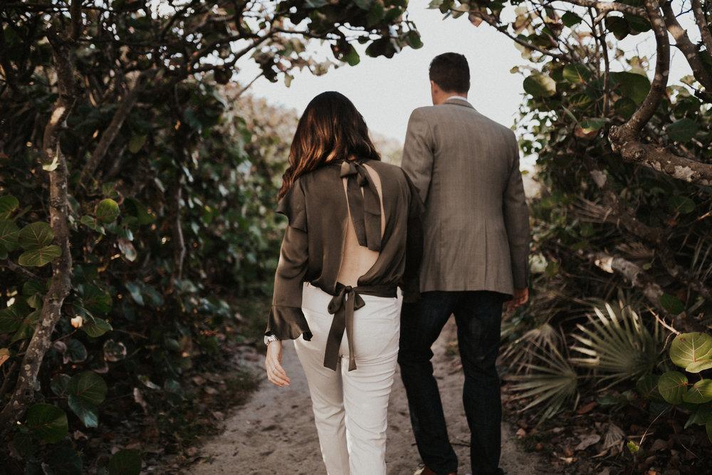 Engagement photos along Jupiter Island.jpg