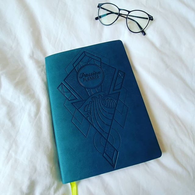 I came home to the best surprise gift in the mailbox from a mysterious gift giver 🎁. A beautiful @passionplanner...it is even Teal! I've got lots of passion, goals, and ideas, but they don't always make it from my messy brain and into action. Anyone used the Passion (or similar) Planner? Any tips for making it a consistent habit?  Ps it didn't take me too long to figure it out, friends like @whitneyfraser21 do sweet and thoughtful things like that 💝  #randomactsofkindness #surprisegift #passionplanner #habit #consistency #weeklyreview #gettingthingsdone #passion #action #goals #changemaker #owensound #naturopathicmedicine