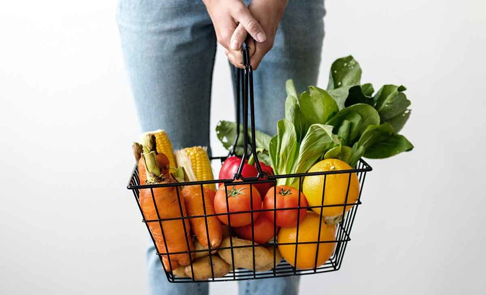 Health hacks that will save $100 a week - Some simple tips you can make to reduce your grocery bill each week.