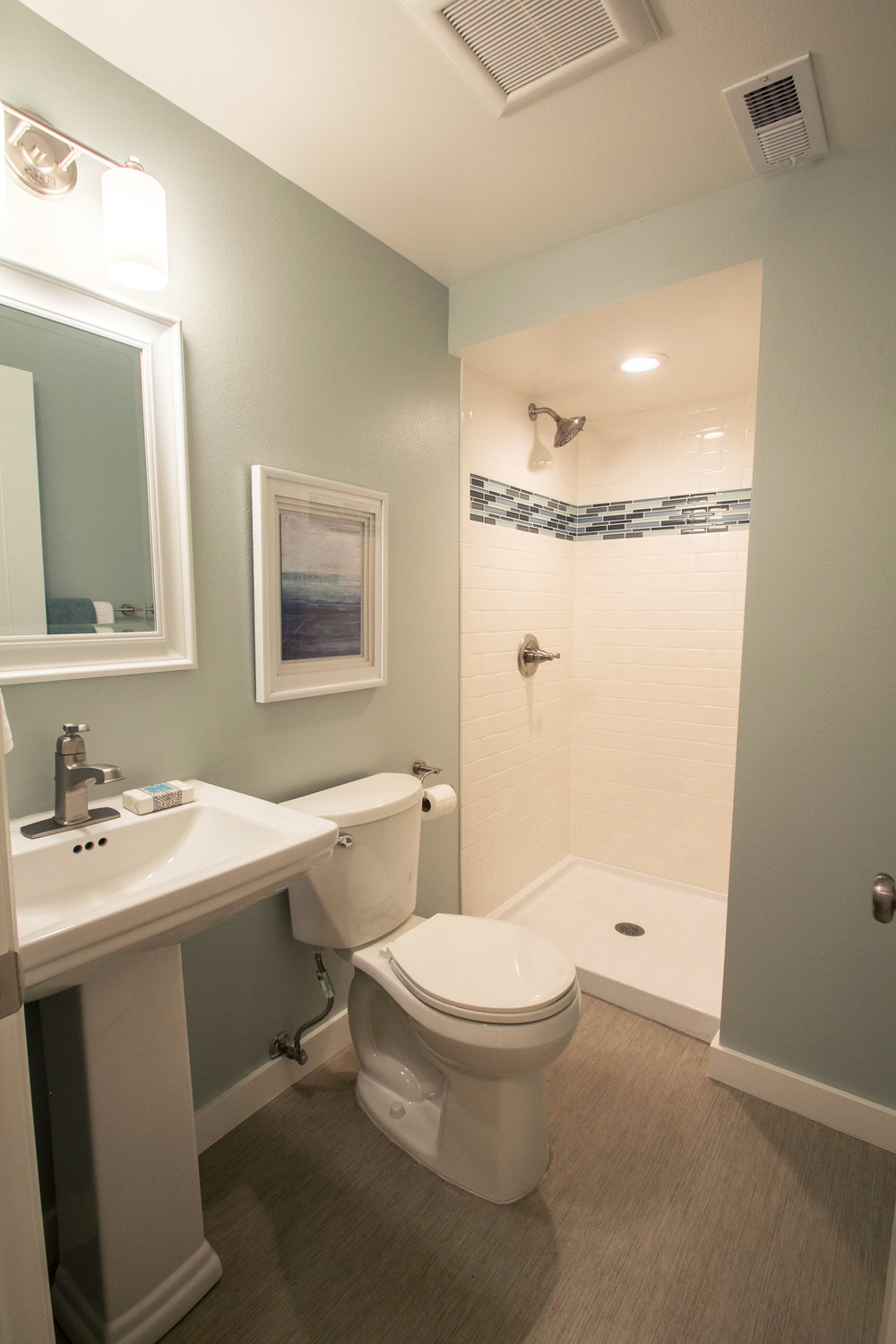 DOWNSTAIRS BATHROOM AFTER