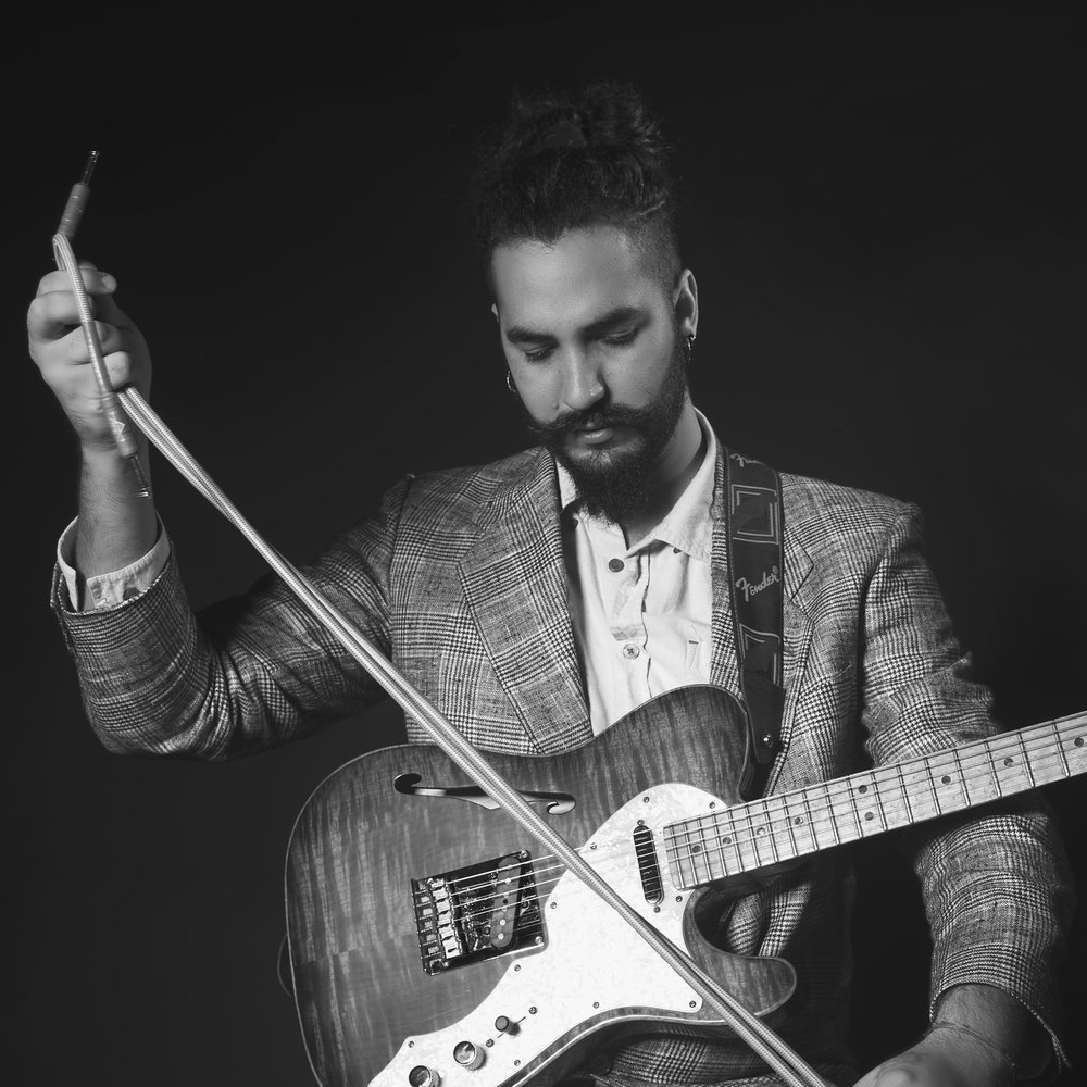 Ricky Castillo - Cuban Guitarist and composer