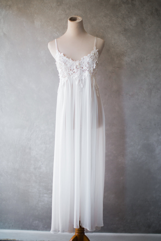 fcbc8664421 Boho White Lace   Chiffon Vintage Nightgown Medium