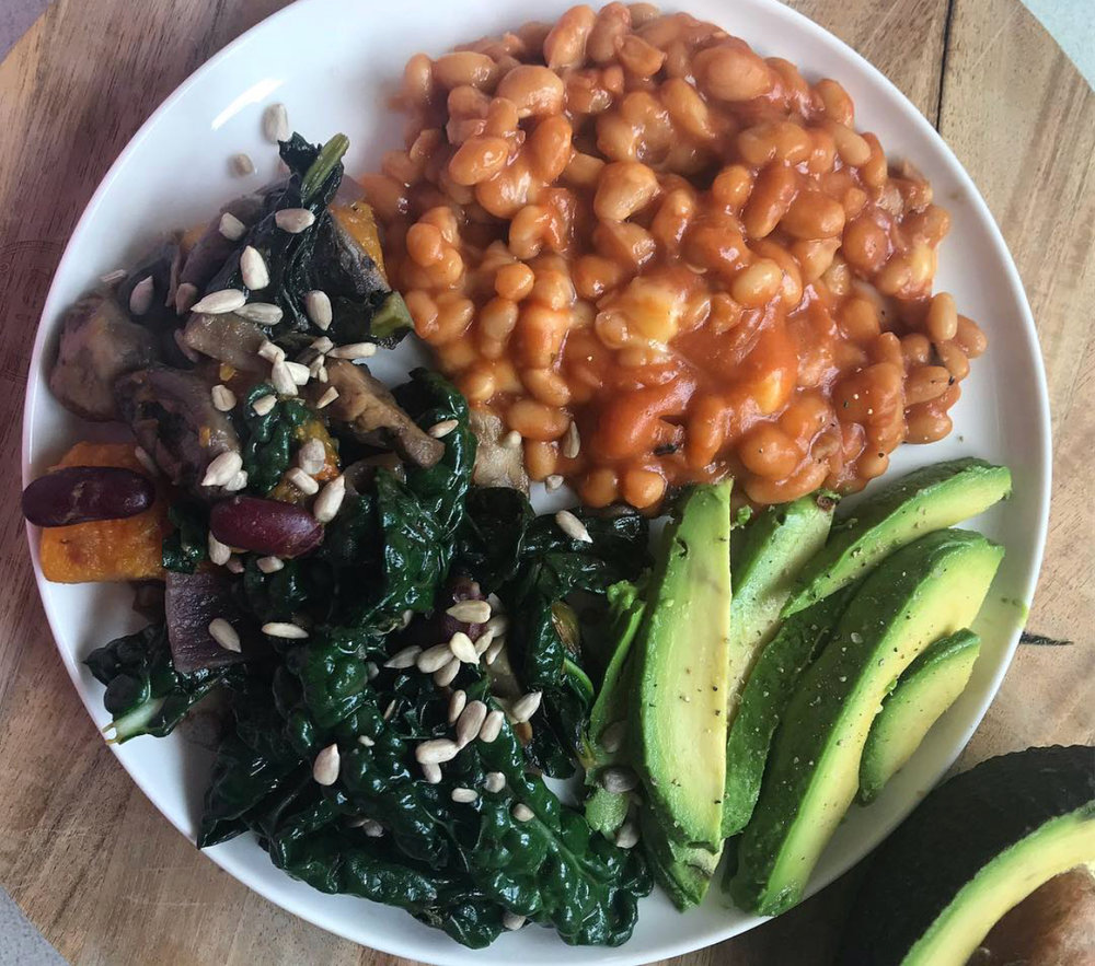 Sugar free beans with melted vegan cheese, kale & mushrooms with avocado.