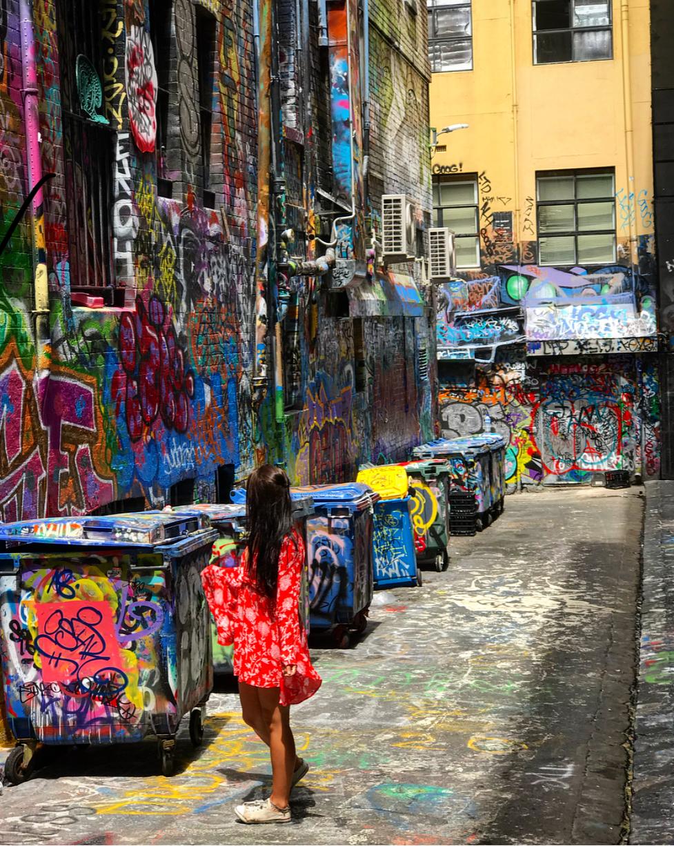 Exploring the graffiti art bck in Melbourne.