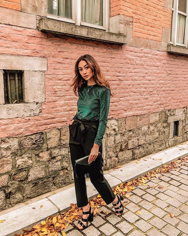 Party vibes 🎉 All clothes are from @socute_mons  Ambiance de fête 🍾 Toute la tenue vient de chez @socute_mons  #socuteonme #socute #vibes #party #christmas #xmas #winter #winterlook #ootd #style #look #emerald #whatiwore #fashionblogger #fashion