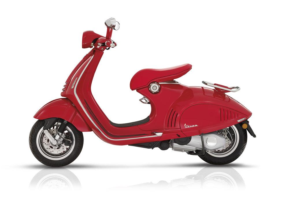 (Vespa 946) RED  (7).JPG