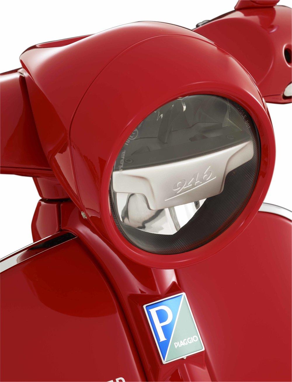 (Vespa 946) RED  (11).jpg