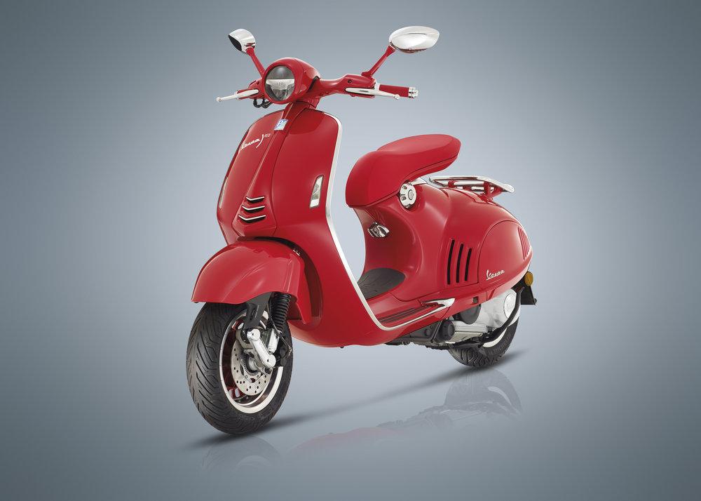 (Vespa 946) RED  (18).JPG