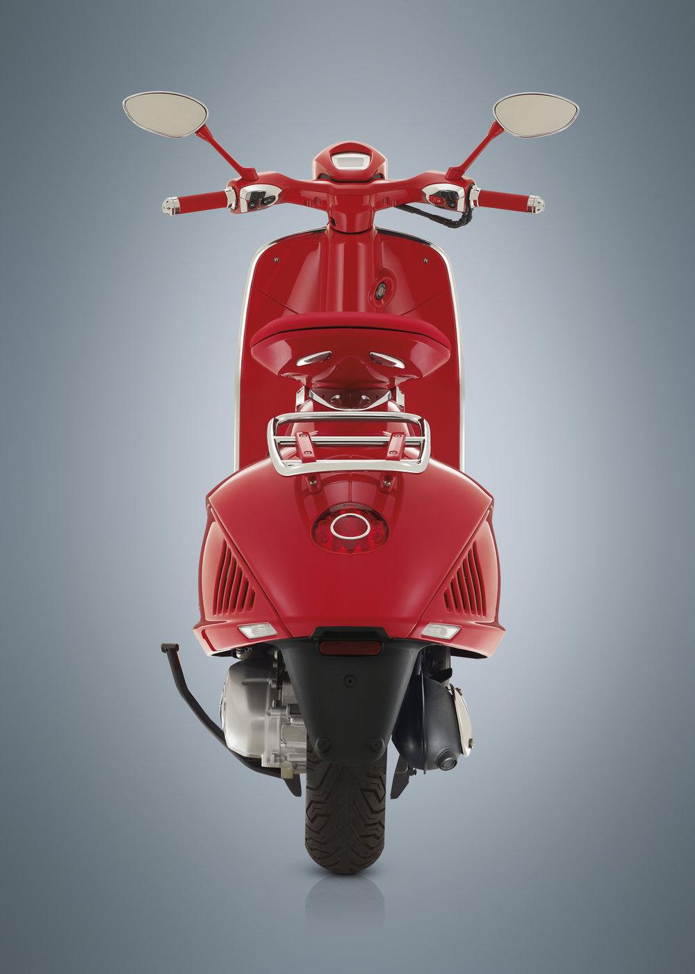 (Vespa 946) RED  (24).JPG
