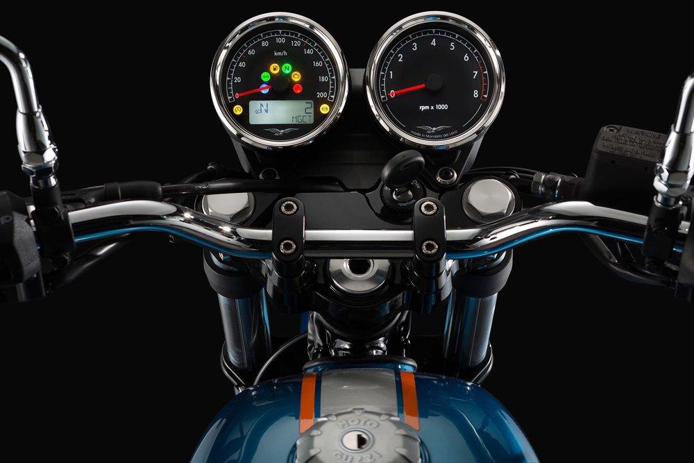 Moto Guzzi V7III Special (9).jpg