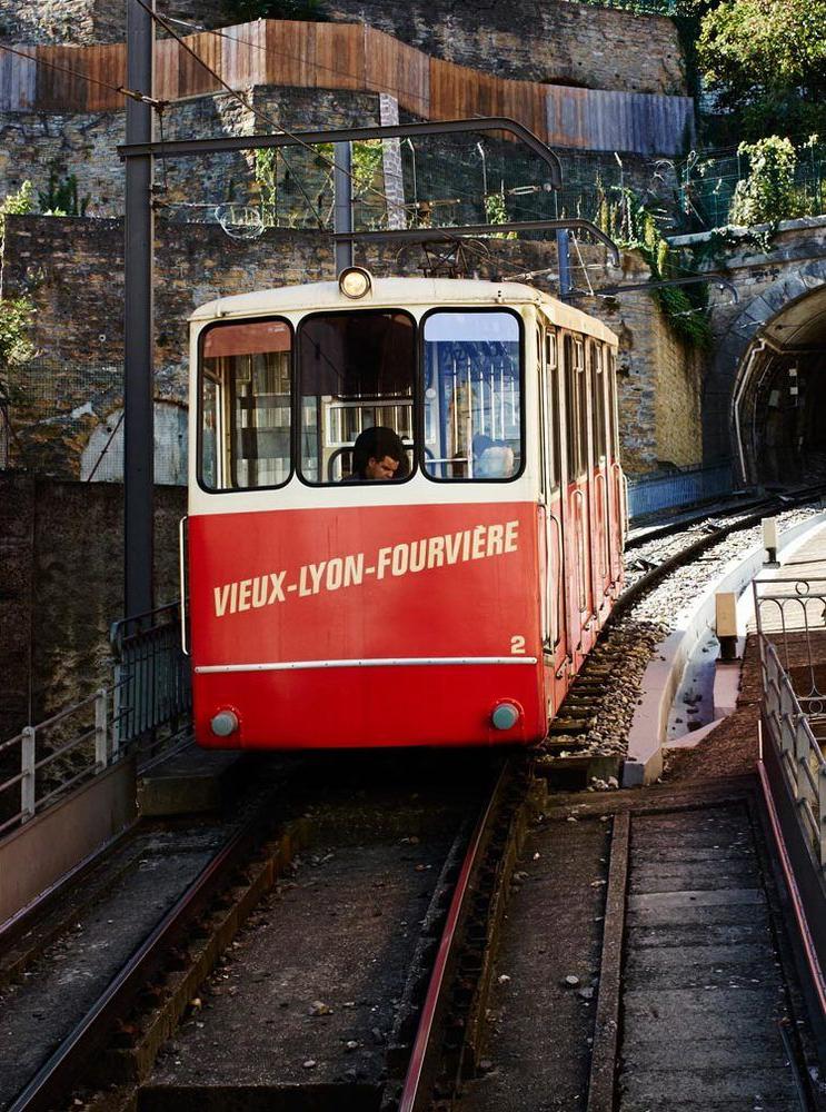 Furnicular-Lyon-France-02.jpg