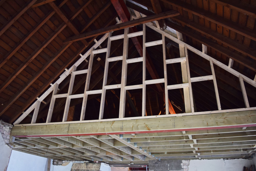 Tiptoe carpentry Structural