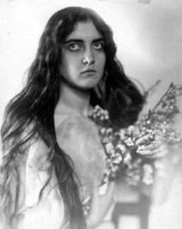 A young but avid motion-picture-goer Cathleen McCarthy. TVA.