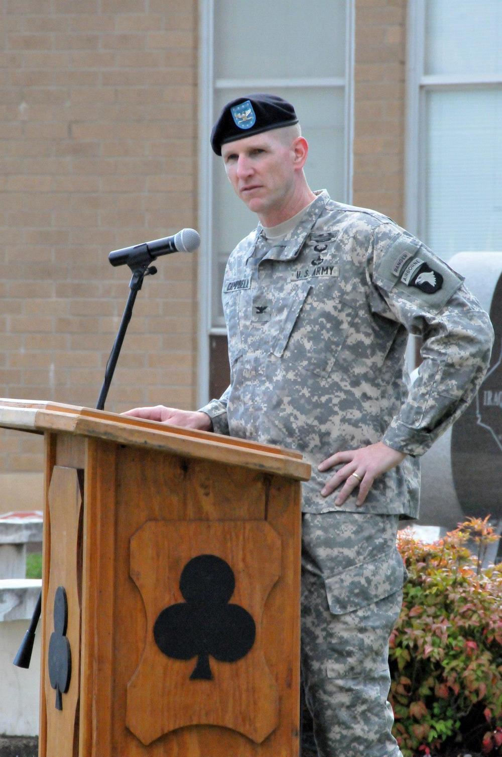 Rob addressing Veterans