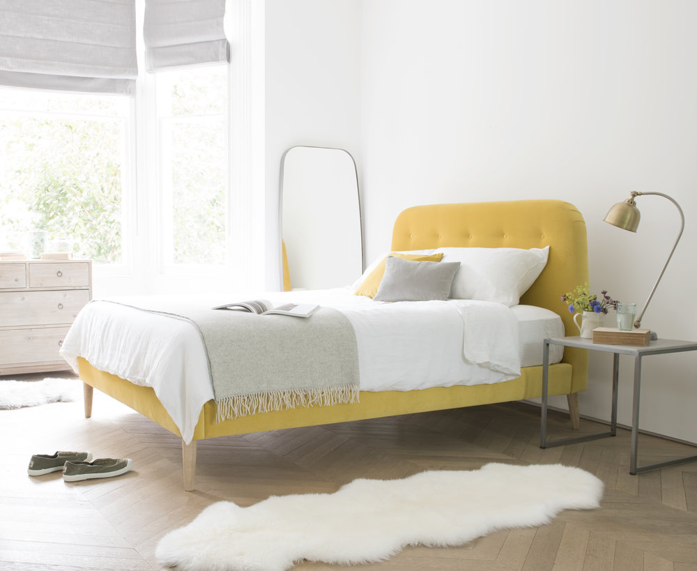Napper bed in Bumblebee clever velvet - Loaf
