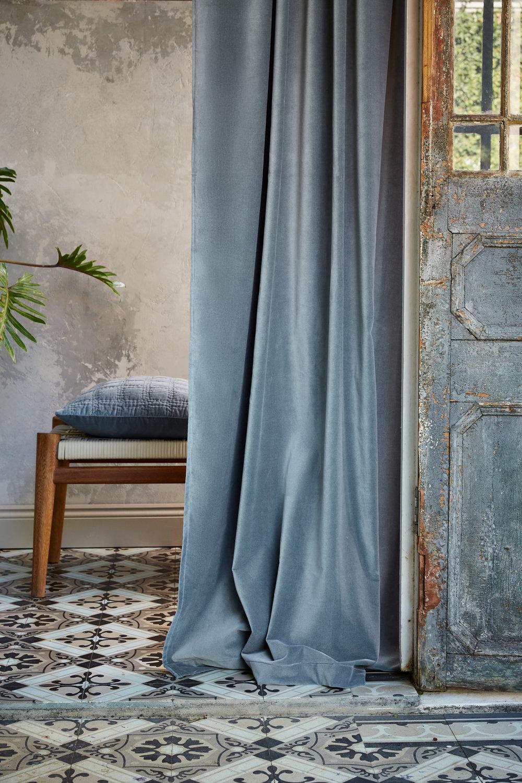 Samana Velvet Curtain - Urbanara