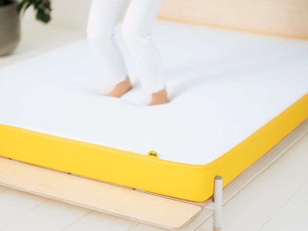 light-mattress-eve-sleep-lifestyle.jpg