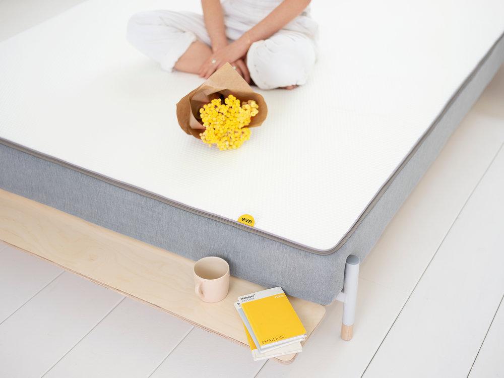 hybrid-mattress-eve-sleep-lifestyle3.jpg