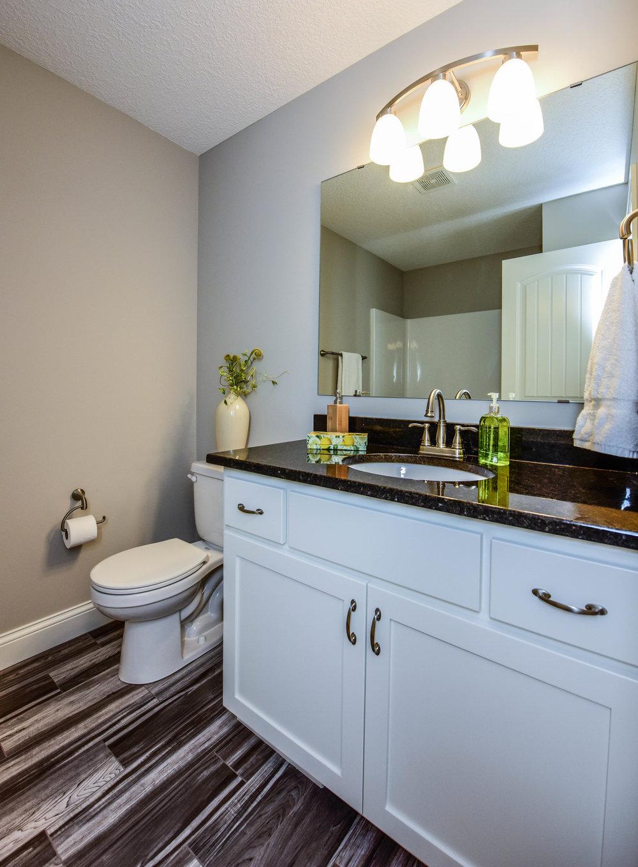 22443 Cantrel Way Farmington-print-015-24-Bathroom-3090x4200-300dpi.jpg