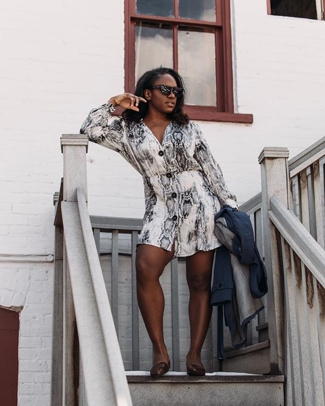 Monday's are for confidence, being unbothered and neutral animal prints! ✨| Welcome to the new week, loves! I hope your weekend equipped you well for the tasks at hand. ICYMI, last week on the blog, I shared my top picks for snakeskin print under $100 (most under $50). Find it and catch up on the blog at the link in my bio! 📸: @mr_imola #snakeprint #everydaystyle #goldencolorado #ladyoutloud . . . . . . #snakeskin #animalprint #newweek #confidence #confidenceissexy #mystyle #neutral #zara #fashionlover #casualstyle #lovethislook #trend #theeverygirl #styledbyme #springstyle #shopstyle #contrast