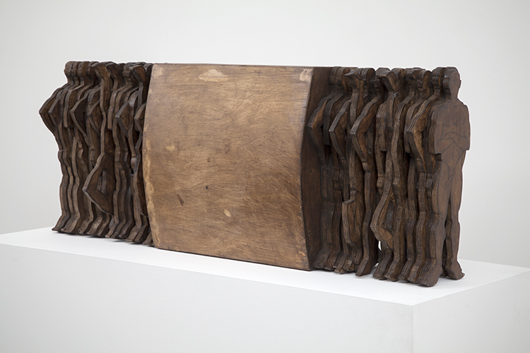 Andrés Montalván, Eterna idea del regreso (Eternal Idea of the Return), 2012. Wood, 18 x 47 x 11 in.