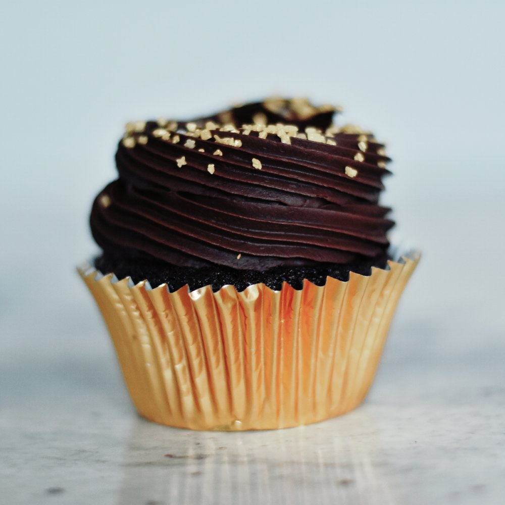 Vegan Chocolate - Moist, fluffy chocolate cupcake with an avocado chocolate frosting. Delicious!6 cupcake box- £122 cupcake box- £24