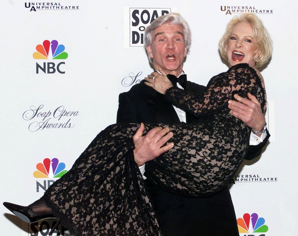 Soap Opera's Favorite Couple award recipients, Jennifer Bassey and David Canary (1999)