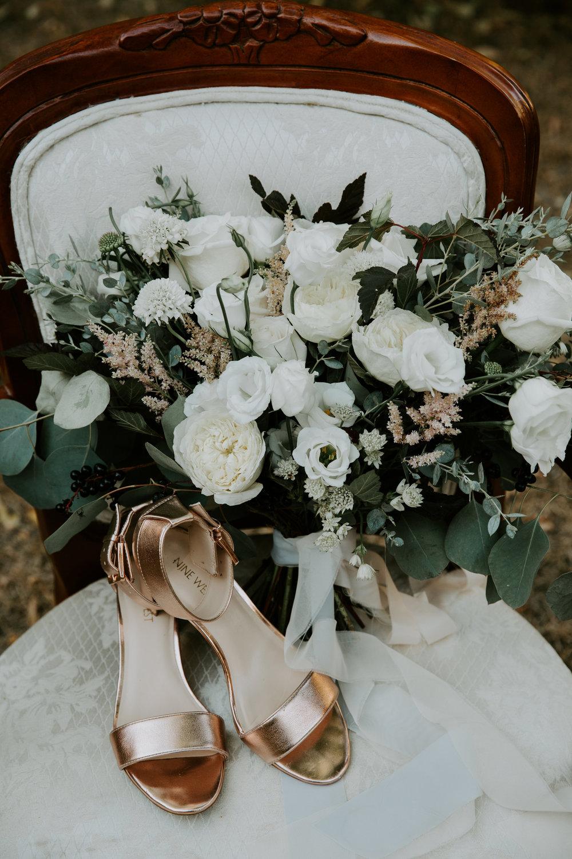 Natural organic bridal bouquet
