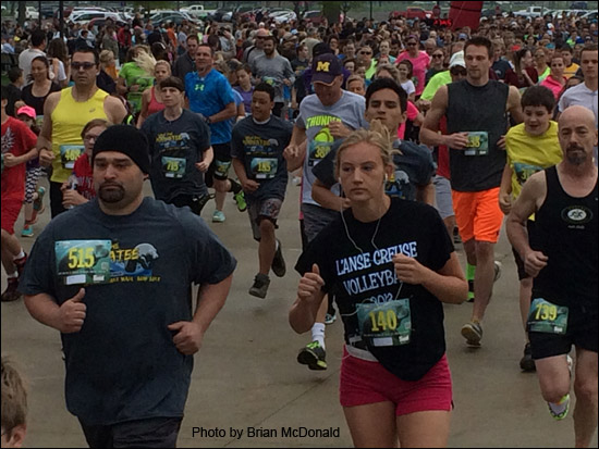 Many join together at the MI 5K each year to help the manatees!